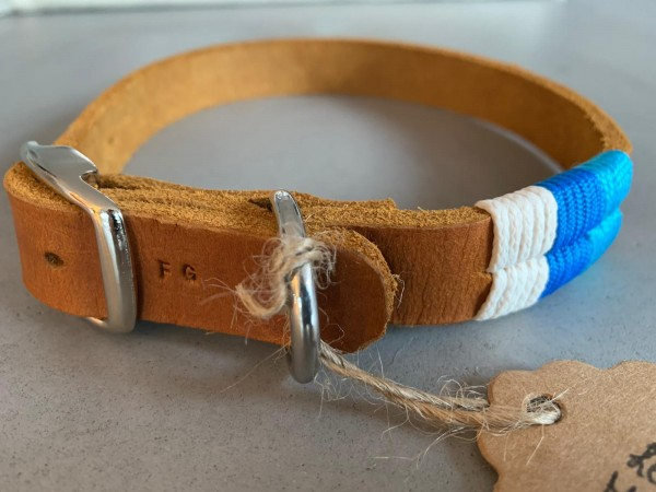 3-farbig getakeltes Lederhalsband creme-hellblau-blau